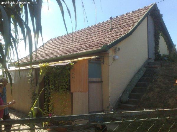 Szekszárd családi ház eladó