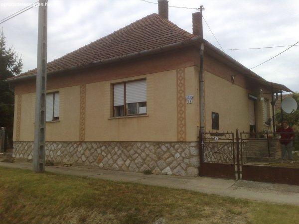 Jágónak családi ház eladó