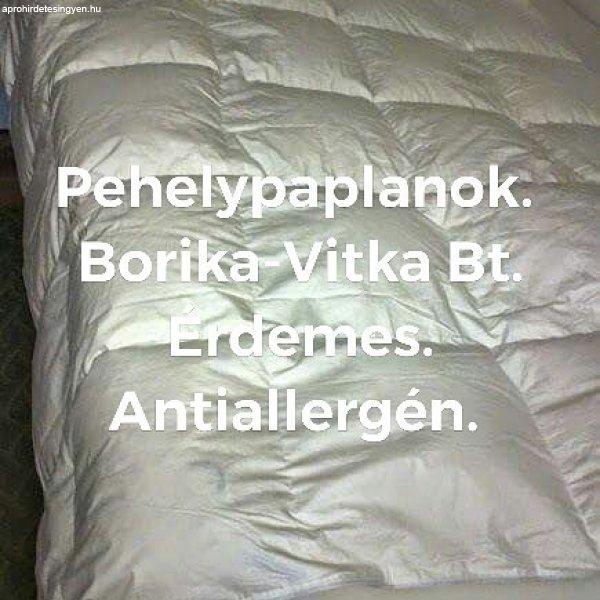 Paplan,párna,ágynemű.