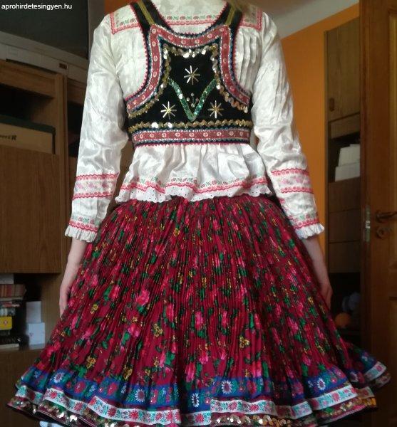 Bogyiszlói népviseletes ruha eladó