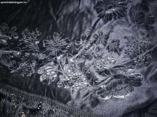 Eladó hímzett selyem vállkendő
