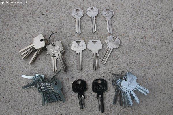 ELADÓK: Cilinderes, Autókulcsok,Tollaskulcsok,stb....