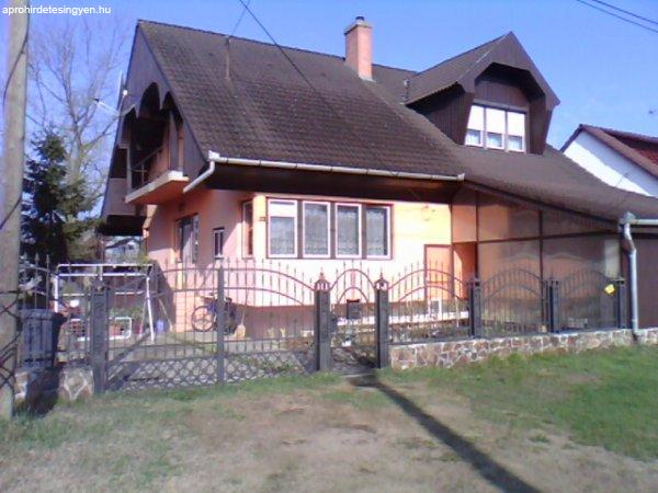 Csendes környezetben családi ház eladó