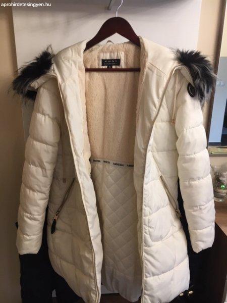 Gyönyörű Amnesia téli kabát eladó