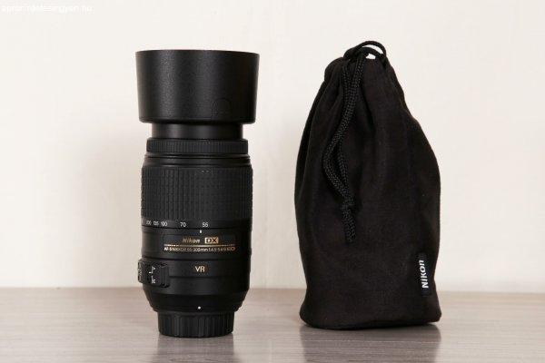 Nikon AF-S 55-300mm f/4.5-5.6 G DX VR optika + napellenző