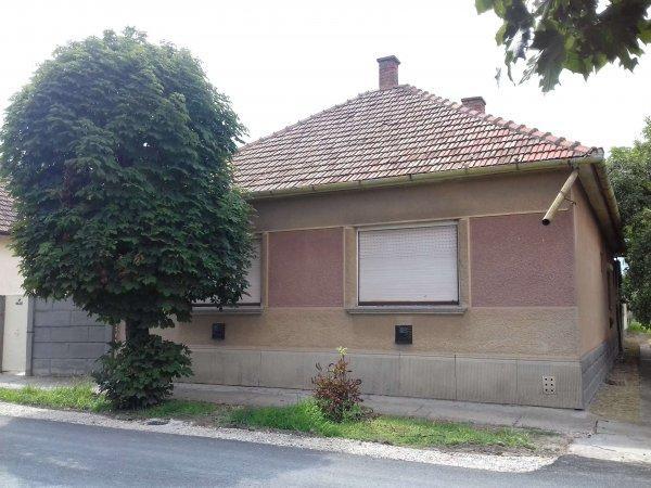 Eladó családi ház Sarkadon