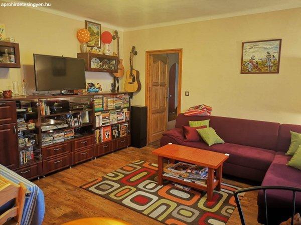 Eladó 68nm-es 3 szobás tégla lakás a belvárosban