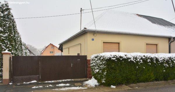 Nyíregyháza,Ságvári Kertvárosban családi ház eladó