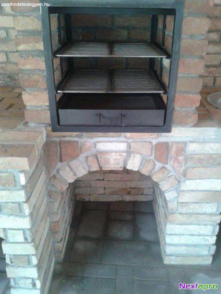 Könnyedén beépíthető faszenes grillező baján