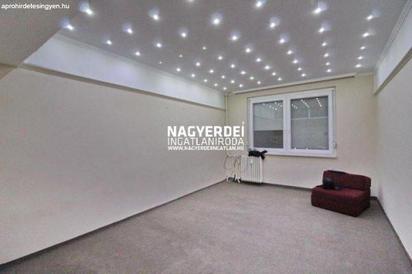 Kiadó 64.00m˛ panel lakás, Debrecen