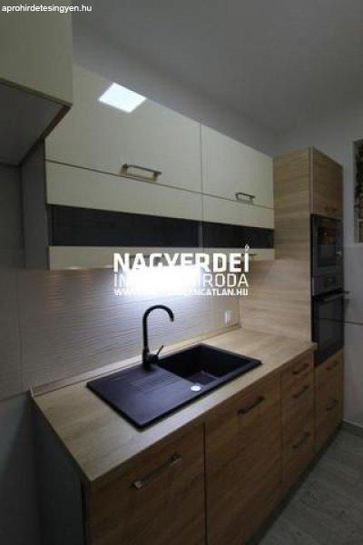 Eladó 52.50m˛ tégla lakás, Debrecen