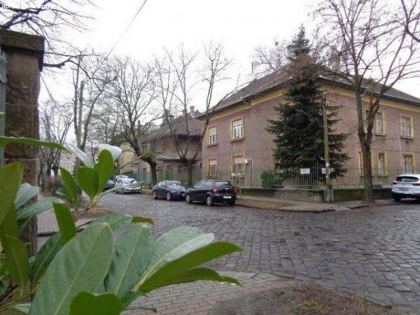 Eladó 111 nm-es Felújítandó Téglalakás Budapest IV. kerület